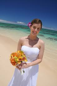 wedding flowers hawaii hawaii wedding flowers bouquets leis