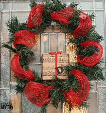christmas wreath using decomesh and styrofoam blocks