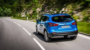 nissan juke 2018 nissan qashqai 2017 facelift review by car magazine