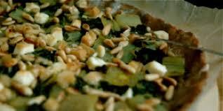 cuisiner les cotes de bettes tarte maison côtes de bette feta et pignons à déguster avec une