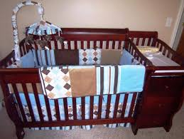 Convertible Crib And Changer Combo by Best Convertible Crib With Changing Table Designs Decoration