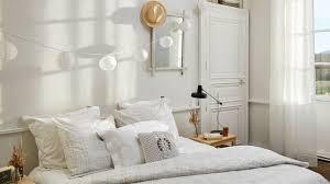 tapisser une chambre chambre à coucher comment l agrandir côté maison