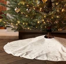 lustrous velvet tree skirt