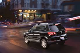 volkswagen tiguan black 2010 volkswagen tiguan deep black metallic rear eurocar news