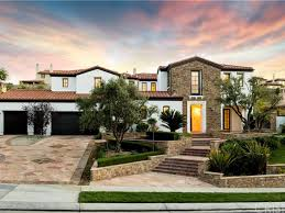 Calabasas Ca Celebrity Homes by Has Kylie Jenner Finally Found A Buyer For Her First La Home