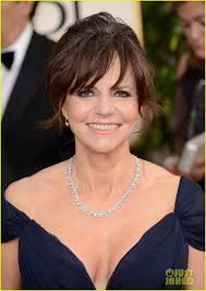 sally field hairstyles over 60 85 best sally field 3 images on pinterest sally fields