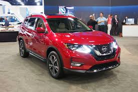 nissan rogue hybrid mpg 2017 nissan rogue hybrid amps up efficiency autoguide com news