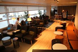 inside the newly revamped sas lounge at chicago o u0027hare ord