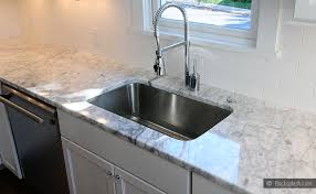 WHITE CARRARA COUNTERTOP PORCELAIN BACKSPLASH Backsplashcom - Carrara backsplash