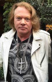 Axl Rose Meme Cake - axl rose hits back at twitter storm over weight mocking memes