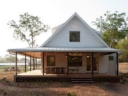 one farmhouse how one architect made a build farmhouse look undeniably historic