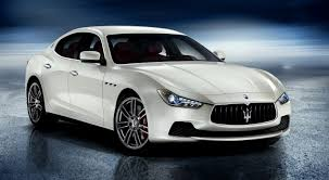 maserati 2000 uautoknow net maserati brings back the ghibli as a mid size four