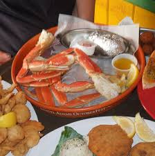 All You Can Eat Lobster Buffet by Best Restaurants That Serve Crab In Tampa Bay Cbs Tampa