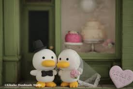bride and groom duck wedding cake topper bride and groom ducks