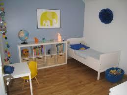 chambre jaune et bleu chambre bleu et jaune solutions pour la décoration intérieure de