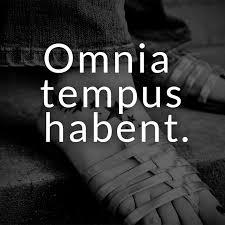 lateinische sprüche ᐅ omnia tempus habent lateinisch für alles hat seine zeit