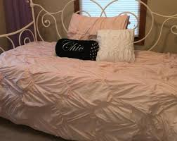What Is The Difference Between A Coverlet And A Comforter Bright Daybed Sofa Chaise Tags Daybed As Couch Daybed