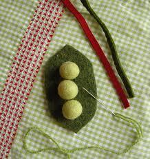 peas in a pod ornament peas betz white