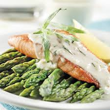 cuisiner un filet de saumon filets de saumon sauce à l estragon recettes cuisine et
