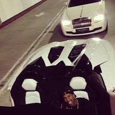tyga lamborghini aventador tyga takes his lamborghini aventador lp700 4 for a drive upscalehype