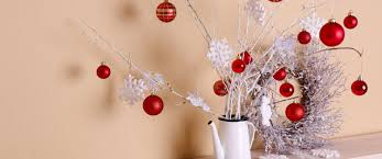 simple tips for decorating your small apartment for christmas