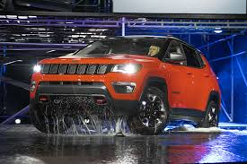jeep trailhawk lifted 6 different ways you can configure the 2017 jeep compass motor trend