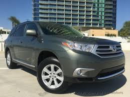 toyota highlander how many seats 2013 used toyota highlander 3 5l v6 plus 3rd row seat bluetooth
