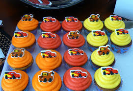 lightning mcqueen cake and cupcakes cakes