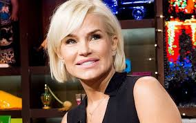 yolanda foster bob haircut yolanda foster on wwhl jpg 654 410 hair pinterest