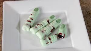 how to make chocolate zombie fingers quake n bake youtube