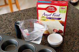 food cupcakes with and berries bettycrocker