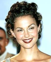 photos of short hair for someone in their sixes ashley judd unique short pixie haircuts yusrablog com