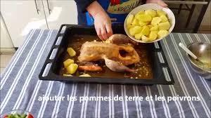comment cuisiner une pintade recette pintade au four et pommes de terre