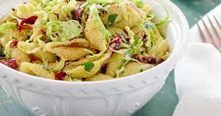 cuisiner les choux de bruxelles recettes de choux de bruxelles et de salade
