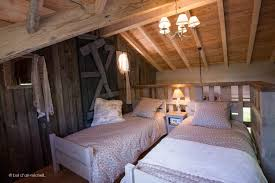 chambres d h es insolites chambre d hotes vosges luxe la maison du hobbit la cabane insolite