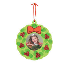 thumbprint wreath photo frame ornament craft kit orientaltrading