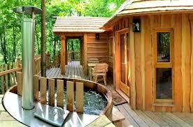 chambre insolite paca cabane dans les arbres paca les cabanes de jardin abri de jardin