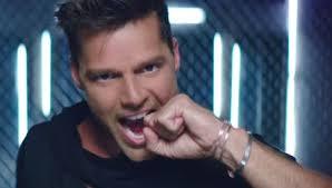 Ricky Martin Meme - wisin estrena video que se sienta el deseo junto a ricky martin