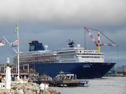 royal caribbean sells 51 percent of pullmantur and cdf cruise