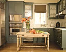 Kitchens With Island by Small Traditional Kitchen Design Maximizing A Small Kitchen Space