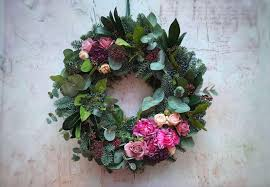 the uk s most beautiful wreaths seasons in colour