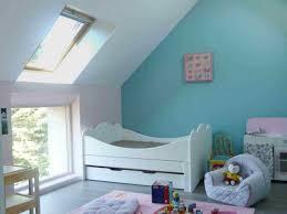 chambre enfant comble aménager un grenier en chambre des combles deviennent de joyeuses