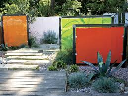 privacy fence or garden wall 112 landscape ideas