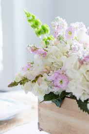 easy diy spring flower arrangement the home i create