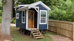 14 finishes tiny house project after dad dies wgn tv