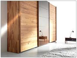 schlafzimmer kleiderschrank schlafzimmer eckschrank weiss lackiert ohne griffe eckschränke