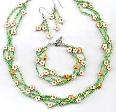 chain beaded necklace images Easy to make but those tiny beads are a pain to do pinterest jpg