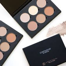 you asked we listened the anastasia beverly hills contour kit is back in stock