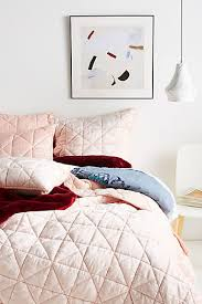 What Is The Difference Between A Coverlet And A Comforter Shop Unique Quilts U0026 Bedding Coverlets Anthropologie