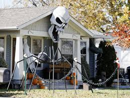 hair raising homes halloween yard displays to delight trick or